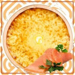 Пирог с красной рыбой