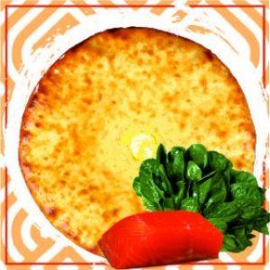 Пирог с красной рыбой и шпинатом