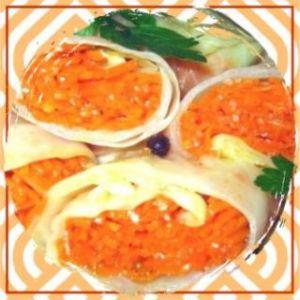 Закуска из маринованной капусты и острой моркови