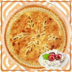 Пирог с творожным кремом и вишней